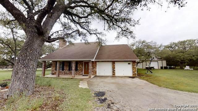 153 Wild Horse Ln, Pipe Creek, TX 78063 (MLS #1534974) :: Countdown Realty Team