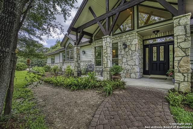 201 Oak Bend Dr, La Vernia, TX 78121 (MLS #1534975) :: Concierge Realty of SA