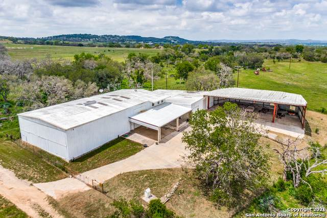 223 Holiday Rd, Comfort, TX 78013 (MLS #1534996) :: The Glover Homes & Land Group