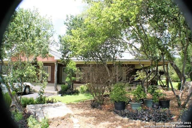 3500 Puter Creek Rd, Spring Branch, TX 78070 (MLS #1535329) :: Beth Ann Falcon Real Estate