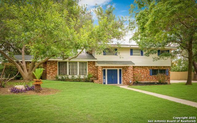 100 Briarcliff Dr, Castle Hills, TX 78213 (MLS #1535412) :: BHGRE HomeCity San Antonio