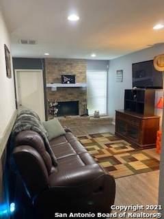 9359 Valley Bend, San Antonio, TX 78250 (MLS #1535541) :: The Castillo Group