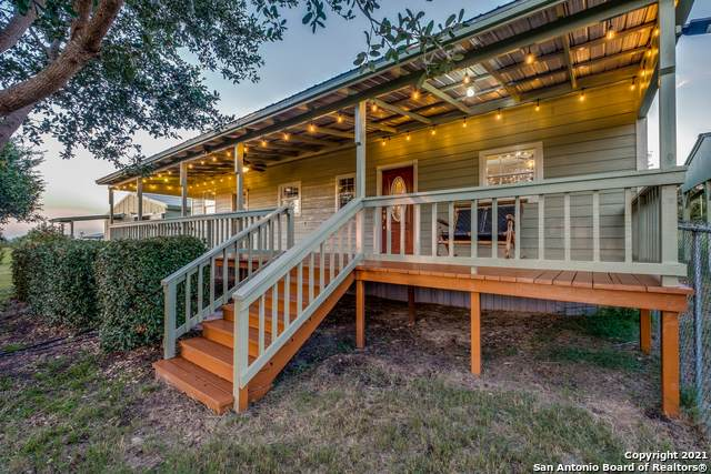 260 Mcconnell Rd, Somerset, TX 78069 (MLS #1535671) :: The Glover Homes & Land Group
