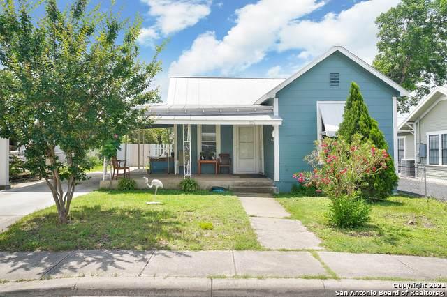 926 Lullwood Ave - Photo 1