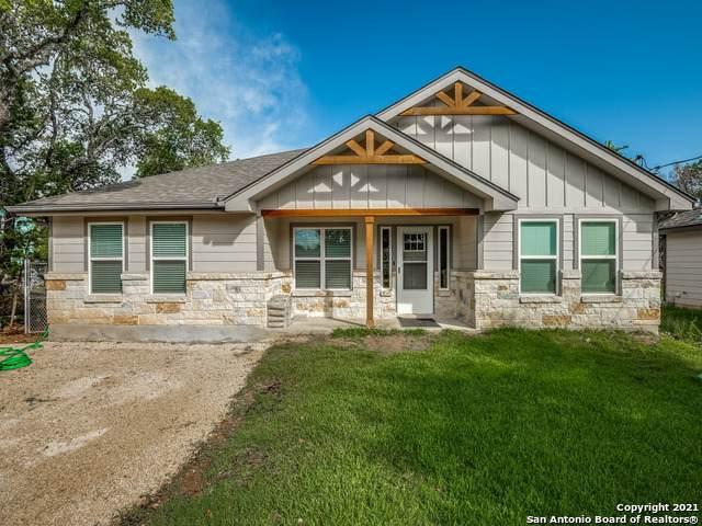 1881 Blueridge Dr, Canyon Lake, TX 78133 (MLS #1535902) :: Neal & Neal Team