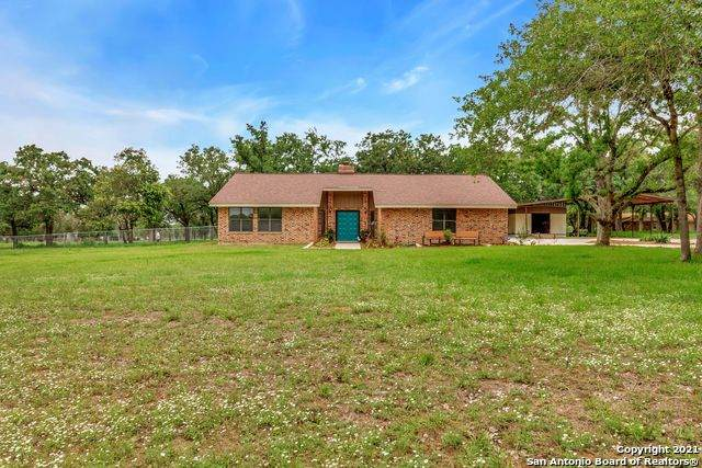 1860 Deer Trail, Floresville, TX 78114 (MLS #1535921) :: Concierge Realty of SA