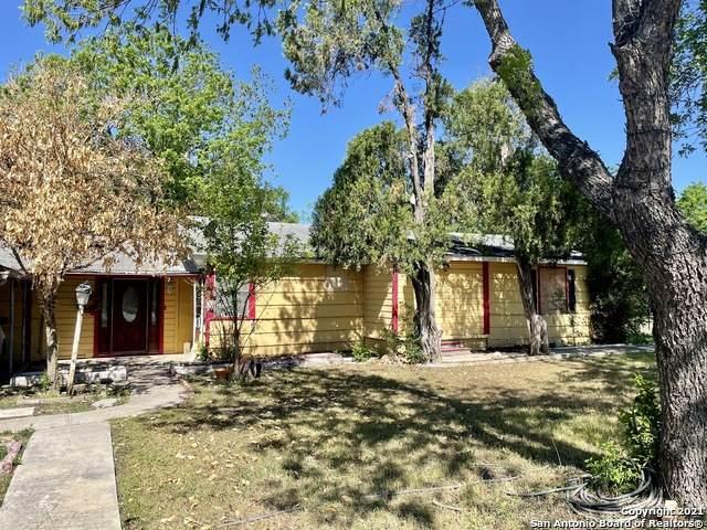2519 S Ww White Rd, San Antonio, TX 78222 (MLS #1536479) :: 2Halls Property Team | Berkshire Hathaway HomeServices PenFed Realty