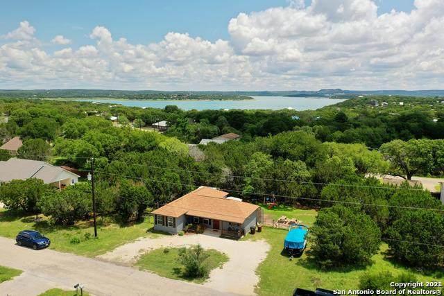 1104 Blueridge Dr, Canyon Lake, TX 78133 (MLS #1536543) :: Concierge Realty of SA
