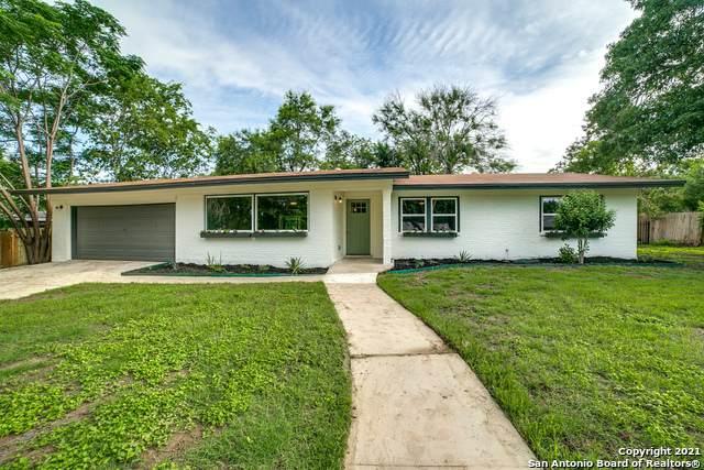207 Meadowood Ln, San Antonio, TX 78216 (#1536558) :: The Perry Henderson Group at Berkshire Hathaway Texas Realty