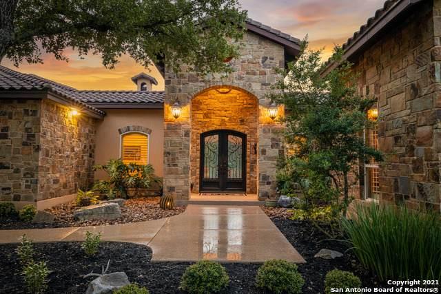 1060 Spanish Trail, New Braunfels, TX 78132 (MLS #1536724) :: The Castillo Group