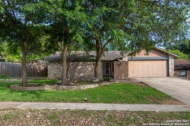 12652 King Oaks Dr, Live Oak, TX 78233 (#1536726) :: The Perry Henderson Group at Berkshire Hathaway Texas Realty