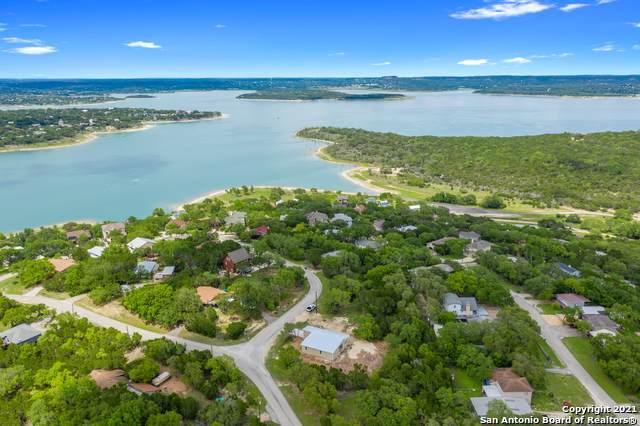 104 Circle Dr, Canyon Lake, TX 78133 (#1536747) :: The Perry Henderson Group at Berkshire Hathaway Texas Realty