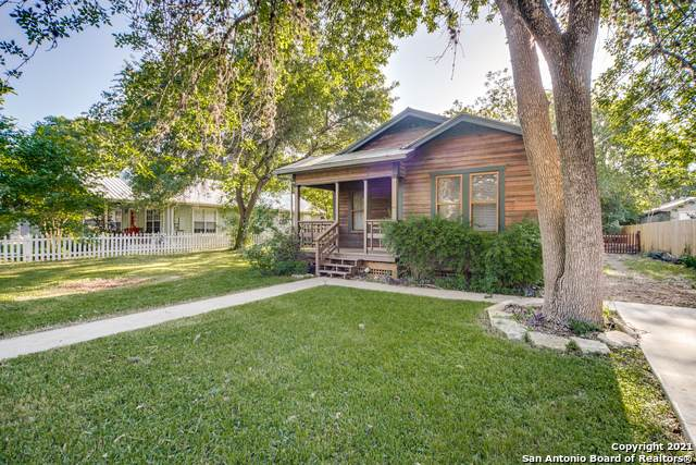 125 Ebensberger Avenue, Boerne, TX 78006 (MLS #1536829) :: The Real Estate Jesus Team