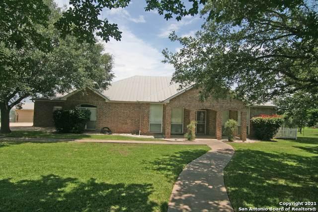 140 County Road 4770, Castroville, TX 78009 (MLS #1536967) :: Keller Williams Heritage