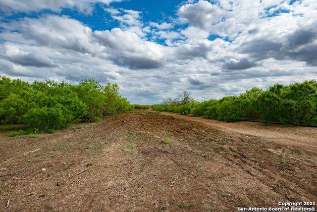 TRACT 4 Cr 332, Charlotte, TX 78011 (MLS #1536971) :: Beth Ann Falcon Real Estate
