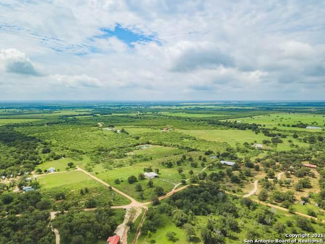 343 Sleepy Meadow, Nixon, TX 78140 (MLS #1537012) :: The Glover Homes & Land Group