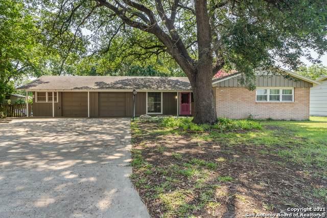 307 N Moss St, Seguin, TX 78155 (MLS #1537067) :: The Castillo Group