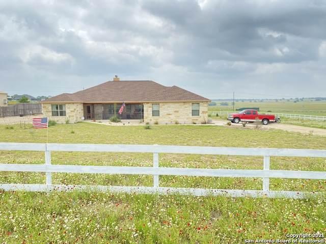 409 Clover Ln, La Vernia, TX 78121 (MLS #1537214) :: Bexar Team