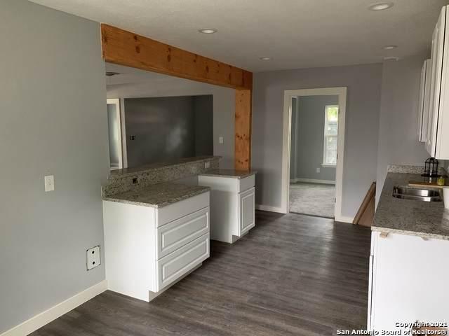 8175 E 6th St, Somerset, TX 78069 (MLS #1537280) :: Beth Ann Falcon Real Estate