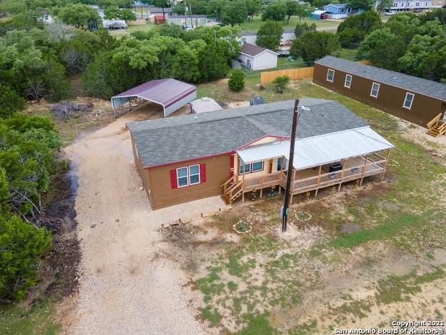 592 Pr 1510, Bandera, TX 78003 (MLS #1537298) :: BHGRE HomeCity San Antonio