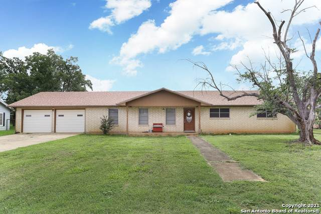 565 S Edwards Ave, Charlotte, TX 78011 (MLS #1537314) :: Exquisite Properties, LLC