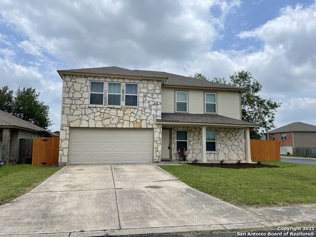 8002 Chestnut Barr Dr, Converse, TX 78109 (MLS #1537380) :: 2Halls Property Team | Berkshire Hathaway HomeServices PenFed Realty
