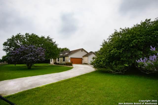 1718 Rustic Oak Ln, Spring Branch, TX 78070 (MLS #1537413) :: The Rise Property Group