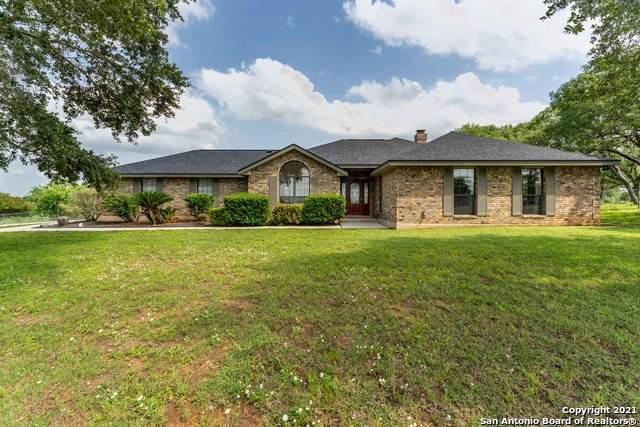 168 Country Gardens, La Vernia, TX 78121 (MLS #1537475) :: Neal & Neal Team