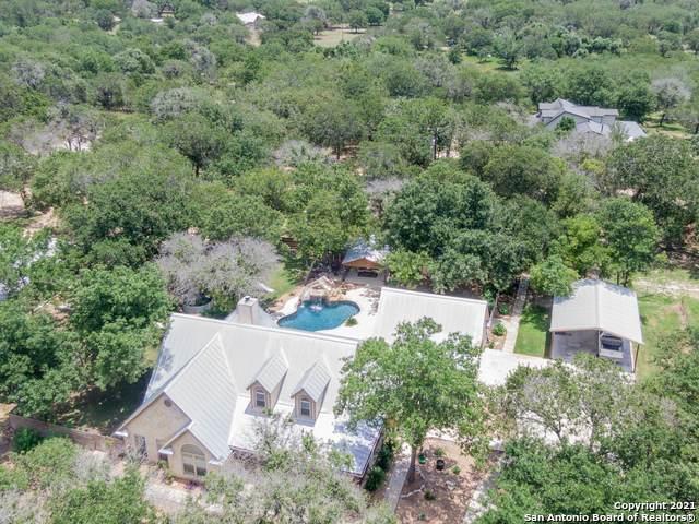 655 Live Oak Dr, Adkins, TX 78101 (MLS #1537536) :: The Real Estate Jesus Team