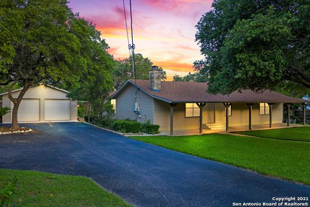 718 Eastview Dr, Canyon Lake, TX 78133 (#1537662) :: The Perry Henderson Group at Berkshire Hathaway Texas Realty