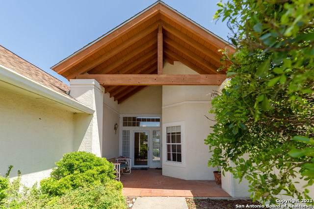 1834 Summit Ridge Dr, Kerrville, TX 78028 (#1537764) :: Zina & Co. Real Estate