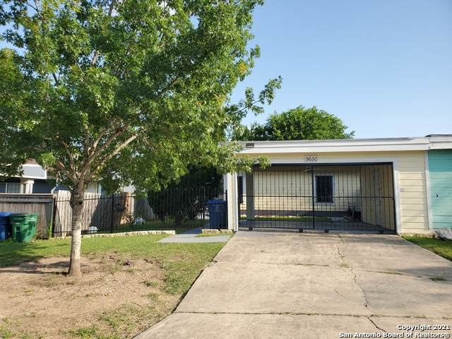 9650 Vale, San Antonio, TX 78245 (#1537813) :: The Perry Henderson Group at Berkshire Hathaway Texas Realty