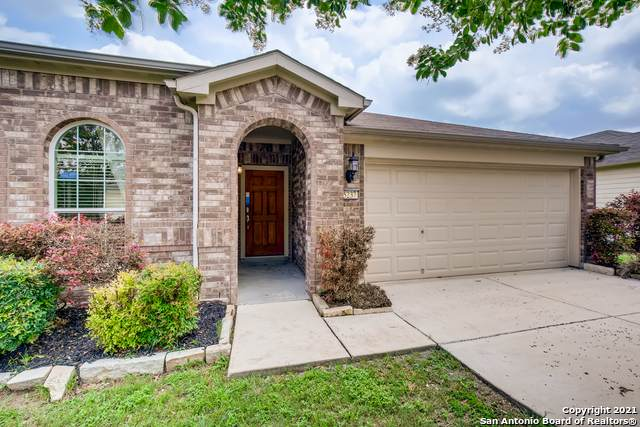 5237 Columbia Dr, Cibolo, TX 78108 (MLS #1537907) :: 2Halls Property Team | Berkshire Hathaway HomeServices PenFed Realty