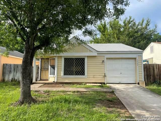 9922 Village Briar, San Antonio, TX 78250 (MLS #1537942) :: Bexar Team