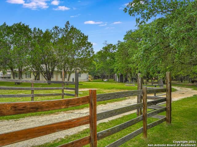 1519 Hillside Oaks, Bulverde, TX 78163 (MLS #1537947) :: Bexar Team