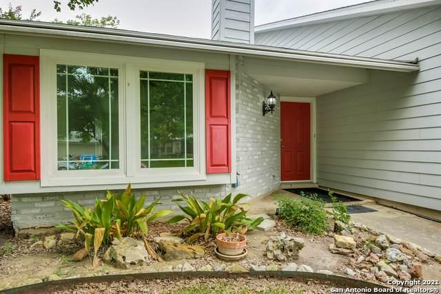 7115 Clipper Ridge Dr, Converse, TX 78109 (MLS #1538067) :: The Real Estate Jesus Team