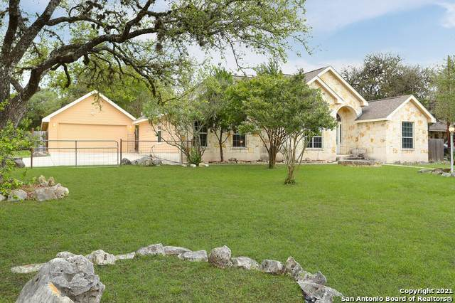1046 Deep Water Dr, Spring Branch, TX 78070 (MLS #1538313) :: The Glover Homes & Land Group
