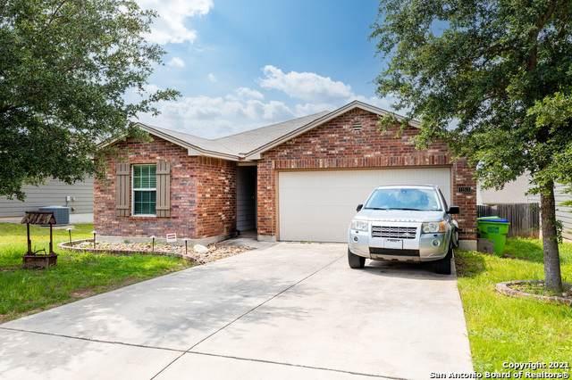 11511 Oaks Hike, San Antonio, TX 78245 (MLS #1538326) :: 2Halls Property Team | Berkshire Hathaway HomeServices PenFed Realty