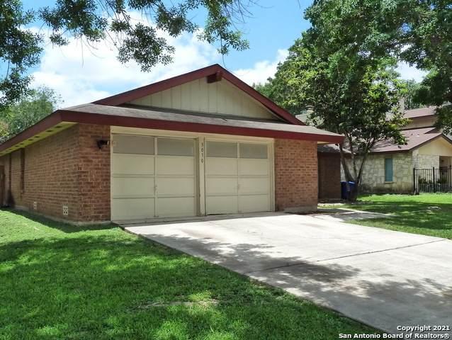 3030 Shingle Oak Dr, San Antonio, TX 78247 (MLS #1538333) :: 2Halls Property Team   Berkshire Hathaway HomeServices PenFed Realty