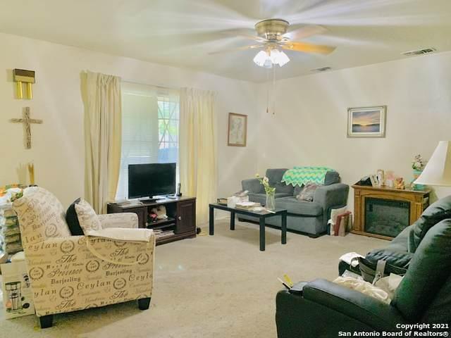 8122 Briargate Dr, San Antonio, TX 78230 (MLS #1538363) :: Concierge Realty of SA