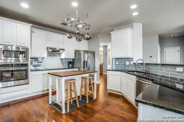513 Canterbury Hill, Cibolo, TX 78108 (#1538373) :: The Perry Henderson Group at Berkshire Hathaway Texas Realty