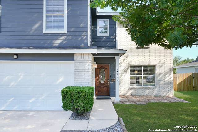 7306 Carriage Bend, San Antonio, TX 78249 (#1538405) :: The Perry Henderson Group at Berkshire Hathaway Texas Realty