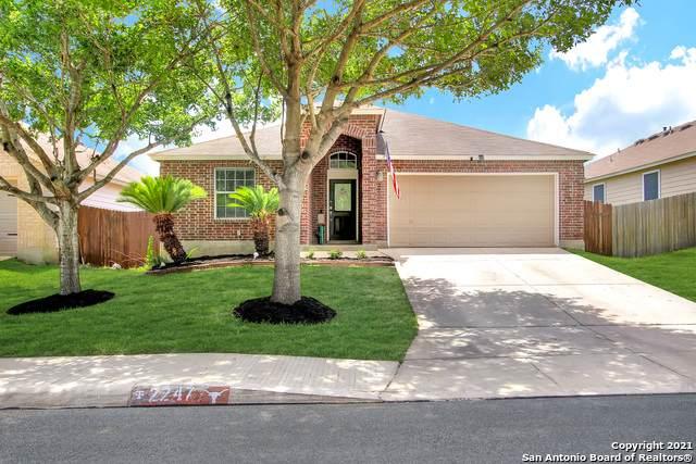 2247 Red Rock Xing, San Antonio, TX 78245 (MLS #1538426) :: 2Halls Property Team | Berkshire Hathaway HomeServices PenFed Realty