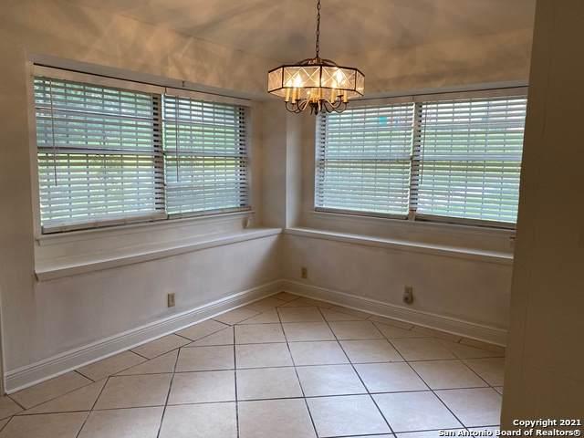 6502 Magic Oaks, San Antonio, TX 78239 (MLS #1538516) :: The Glover Homes & Land Group