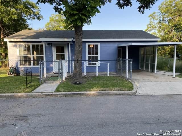 925 Rhone St, Seguin, TX 78155 (MLS #1538612) :: Concierge Realty of SA
