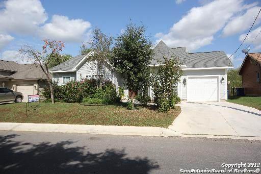1408 S 2nd St, Floresville, TX 78114 (MLS #1538711) :: Sheri Bailey Realtor