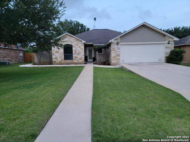 216 Bunker Hill, Pleasanton, TX 78064 (MLS #1538768) :: Vivid Realty