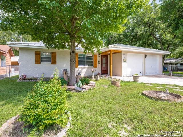 818 E Torrey St, New Braunfels, TX 78130 (MLS #1538806) :: Williams Realty & Ranches, LLC