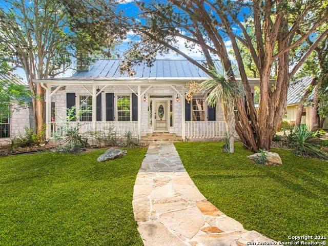 122 Woodland Ranch Rd, Boerne, TX 78015 (MLS #1538863) :: Exquisite Properties, LLC