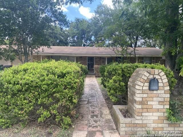 8002 Briargate Dr, San Antonio, TX 78230 (MLS #1538962) :: BHGRE HomeCity San Antonio
